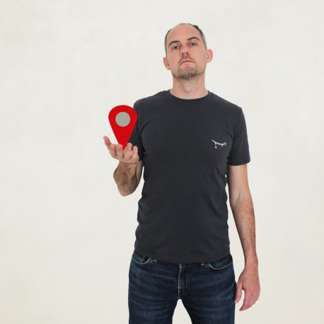 IT SUCKS the t-shirt that supports local shops - 100% organic cotton